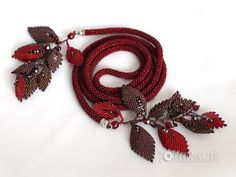 http://jolinka.blogspot.it/2013/01/tutorial-russian-leaf-listek-z-koralikow.html