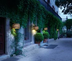 Fora A - Bover Barcelona Lights: Contemporary Lighting Outdoor Hanging Lights, Outdoor Garden Lighting, Outdoor Wall Lamps, Outdoor Walls, Indoor Outdoor, Exterior Wall Light, Exterior Lighting, Barcelona, Design Light