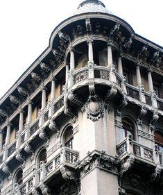 Entra sul portale dell'arte Liberty in Italia: italialiberty.it e scopri edifici Art Nouveau a Trieste