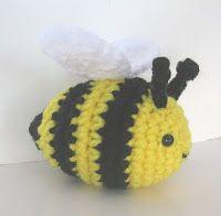 Buzzy Bee - free crochet pattern
