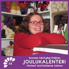 Olen Jaana Uurainen, Porista ja reilu vuosi sitten perustin lankakaupan LankaLiiterin. Vielä teen tätä toisen työn ohella. LankaLiiteri on perustettu rakkausesta kauniisiin lankoihin. Olen koittanut löytää valikoimiini erilaisia/erikoisia lankoja, unohtamatta kunnon sukkalankoja.    >> Lue lisää :: https://www.facebook.com/Suomenky