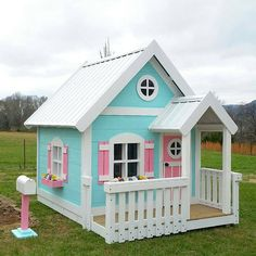 Sweetheart Playhouse with 3 ft front porch by ImagineThatPlayhouse