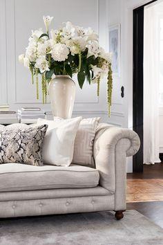 Jacquard-weave Cushion Cover - Light beige - Home All Elegant Living Room, Elegant Home Decor, Elegant Homes, Living Room Furniture, Living Room Decor, Furniture Stores, Bedroom Decor, Wall Decor, Zara Home