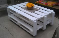 Pallet table