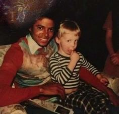 Michael Jackson and James McCartney :) He always loved babies and all children of the world ღ by ⊰@carlamartinsmj⊱
