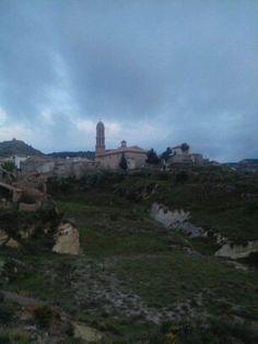 Feliz fin de semana a tod@s con previsión de lluvias para hoy y mañana os dejo esta fotografía de Crivillén