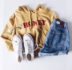 Women hoodie outfit - Outfits With Hoodies 40 Ideas How to Wear Hoodies for Women – Women hoodie outfit Teenage Outfits, Teen Fashion Outfits, Mode Outfits, Fall Outfits, Trendy Fashion, Sport Fashion, 90s Fashion, Outfits 2016, Fashion Vintage