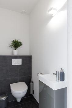 Wc Design, Toilet Design, House Design, Modern Contemporary Bathrooms, Modern Bathroom, Small Toilet Room, Downstairs Toilet, Bathroom Design Small, Bathroom Inspiration