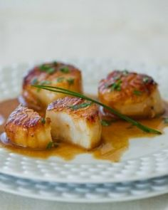 Carmelized Scallops with White Wine