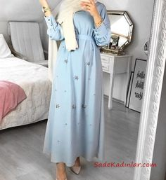 Tesettür Elbise Modelleri Bebek Mavisi Uzun Küçük Taş Aksesuarlı Kloş Etekli Hijab Fashion Summer, Modest Fashion Hijab, Modern Hijab Fashion, Hijab Fashion Inspiration, Abaya Fashion, Muslim Fashion, Skirt Fashion, Fashion Outfits, Hijab Casual