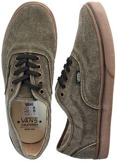 Scarpa Lpe by Vans in tessuto Jeans olive. Cuciture su tono, suola Gum lacci neri.