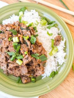 Easy to make dinner - Asian Mongolian Pork Stir Fry - minimal ingredients, low fuss, low mess recipe #dinner #stirfry #pork Asian Stir Fry, Pork Stir Fry, Veggie Stir Fry, Stir Fry Recipes, Curry Recipes, Pork Recipes, Asian Recipes, Gluten Free Recipes For Lunch, Whole 30 Recipes