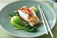 A wok, a steamer and 15 minutes is all you need to make this healthy dish.For a low-fat dinner that is ready in a flash, look no further than this delicious and easy-to-prepare steamed fish.