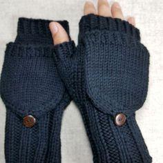 Fingerlose Handschuhe taupe mit kleinen Eulen, mit Perlen, reine Bio Wolle Merino, handgestrickt, Armstulpen für Damen, grau