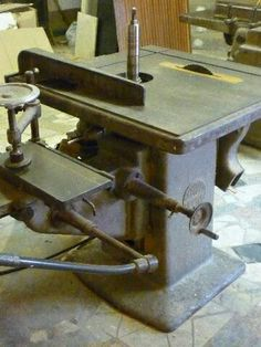 Furniture Projects, Wood Furniture, Furniture Design, Antique Tools, Vintage Tools, Woodworking Machinery, Woodworking Furniture, Woodworking Workshop, Woodworking Tools