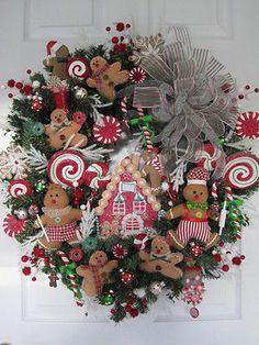 GINGERBREAD CHRISTMAS WREATH