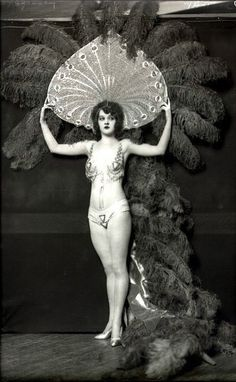 Ziegfeld girl Kathleen Burke by Alfred Cheney Johnston 1920's