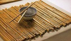 10 Surprising Ways To Reuse Old Bamboo Blinds - Make DIY placemats!
