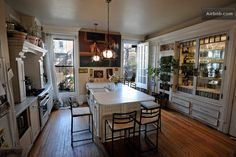 Vacation Homes & Condo Rentals - Airbnb Nyc Projects, Brooklyn Brownstone, Hanging With Friends, Brick Facade, Rooms For Rent, Reno Ideas, Drawing Tips, Townhouse, Beach House