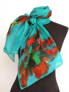 Echarpe maravilhosa em seda pura pintada a mao. <br>Trabalhada em tons de esmeralda e flores coloridas