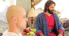 Após praga dos piolhos, Ramsés ameaça Moisés de morte http://r7.com/YOFU