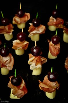 Prosciutto, Cheese and Grapes Skewers