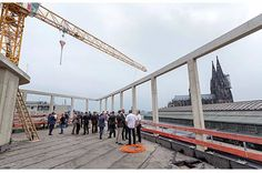 Allianz Real Estate celebrates new building construction at Breslauer Platz (DE)