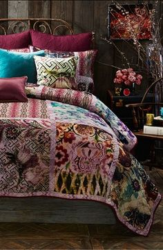 Poetic Wanderlust 'Bronwyn and Briana' Bedding Collection