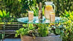 DIY backyard ideas garden pot table