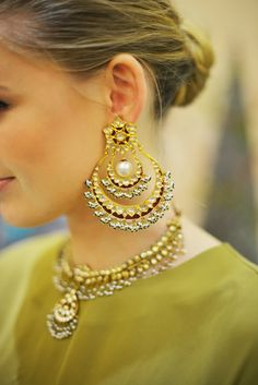 chand bali - earrings indian jewellery - loved & pinned by www.omved.com