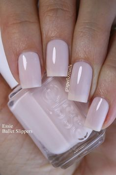 Essie ballet slippers nails in 2019 маникюр Diy Nails, Cute Nails, Pretty Nails, Essie Nail Colors, Nail Polish Colors, Essie Ballet Slippers, Blush Pink Nails, Beautiful Nail Polish, Neutral Nails