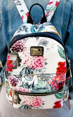 D'Dona from Street Style: Accessories Cute Mini Backpacks, Stylish Backpacks, Floral Backpack, Backpack Purse, Fashion Bags, Fashion Backpack, Cute School Bags, Mini Mochila, Girls Bags