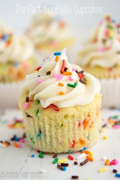 These Funfetti Cupcakes are the PERFECT recipe: sweet, soft, and full of sprinkles!