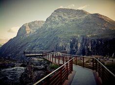 Trollstigen utsiktspunkt w Rauma, Møre og Romsdal fylke