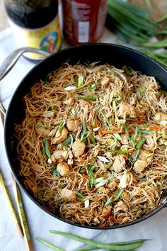 Sweet and savory Filipino Pancit Recipe with chicken & vegetables - stir fried in dark soy & oyster sauce. Yummy noodles ready in 25 minutes! Filipino Pancit, Filipino Dishes, Filipino Recipes, Filipino Food, Filipino Noodles, Asian Noodles, Pinoy Food, Vietnamese Recipes, Chinese Recipes