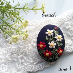 秋の足音   刺繍ブローチピン Hand Embroidery Flowers, Embroidery Applique, Floral Embroidery, Embroidery Stitches, Embroidery Patterns, Textile Jewelry, Clothes Crafts, Silk Painting, Handmade Accessories