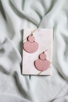 CORA in Dusty Rose // Polymer clay drop earring, statement earring, blush pink shell fan earrings, gifts for her Polymer Clay Crafts, Polymer Clay Jewelry, Clay Beads, Custom Jewelry, Handmade Jewelry, Earrings Handmade, Diy Clay Earrings, Jewelry Photography, Statement Earrings