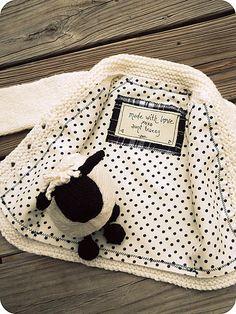 Ravelry: TraceyNicole's sheepie shawl collar