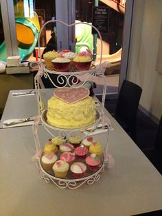 Cakes on stand