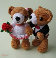 Wedding Teddy Bear Couple