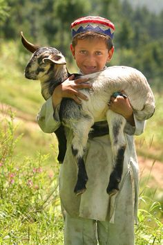 Little Shepherd Boy in Pakstan | Umair Ghani via PhotoNet