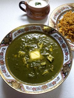 YUMMY TUMMY: Palak Paneer / Indian Cottage Cheese Cooked in a Creamy Spinach Sauce