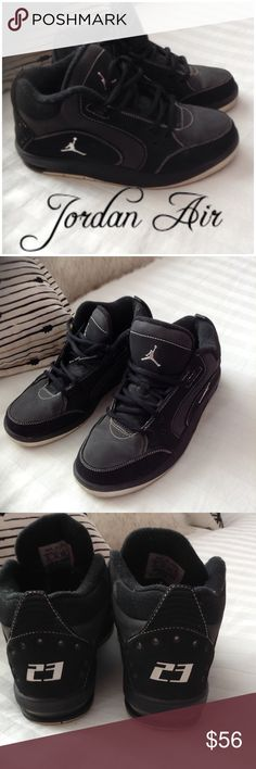 NIKE JORDAN AIR BLACK SHOES 6 Y FITS 6 Woman NIKE JORDAN AIR BLACK SHOES, 6 Y WORN A FEW TIMS, NO SCUFFS OR RIPS NIKE Shoes Athletic Shoes