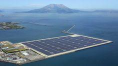 Conjunto flutuante de painéis solares chama a atenção no Japão