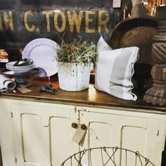 RECLAIMED CHARM BOOTH