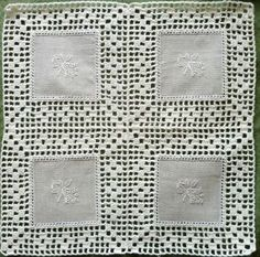 This Pin Was Discovered By Sonia Dimitra - Diy Crafts Crochet Potholders, Crochet Motifs, Crochet Quilt, Crochet Borders, Crochet Tablecloth, Crochet Squares, Filet Crochet, Crochet Doilies, Crochet Stitches