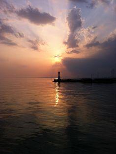 神戸の海から