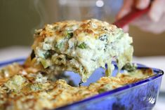 Le lasagne agli asparagi sono un primo piatto diverso dalle classiche lasagne alla bolognese ma altrettanto sfiziose ed invitanti