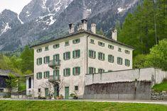 Hotel Pontisella Stampa im Bergell: Refugium für Designliebhaber Mansions, House Styles, Home Decor, Left Out, Viajes, Switzerland, Hiking, Decoration Home, Room Decor
