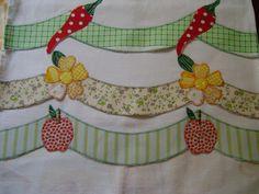 barrados de pano de prato - Pesquisa Google Quilt Block Patterns, Pattern Blocks, Quilt Blocks, Applique Towels, Applique Quilts, Applique Designs, Embroidery Designs, Baby Sheets, Decorative Towels